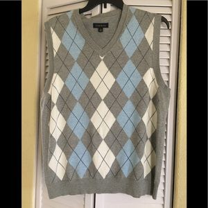 Club room vest size large sweater vest